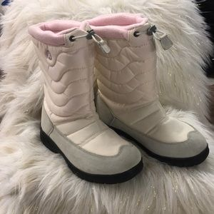 Kamik snow boots size 7 NEW!